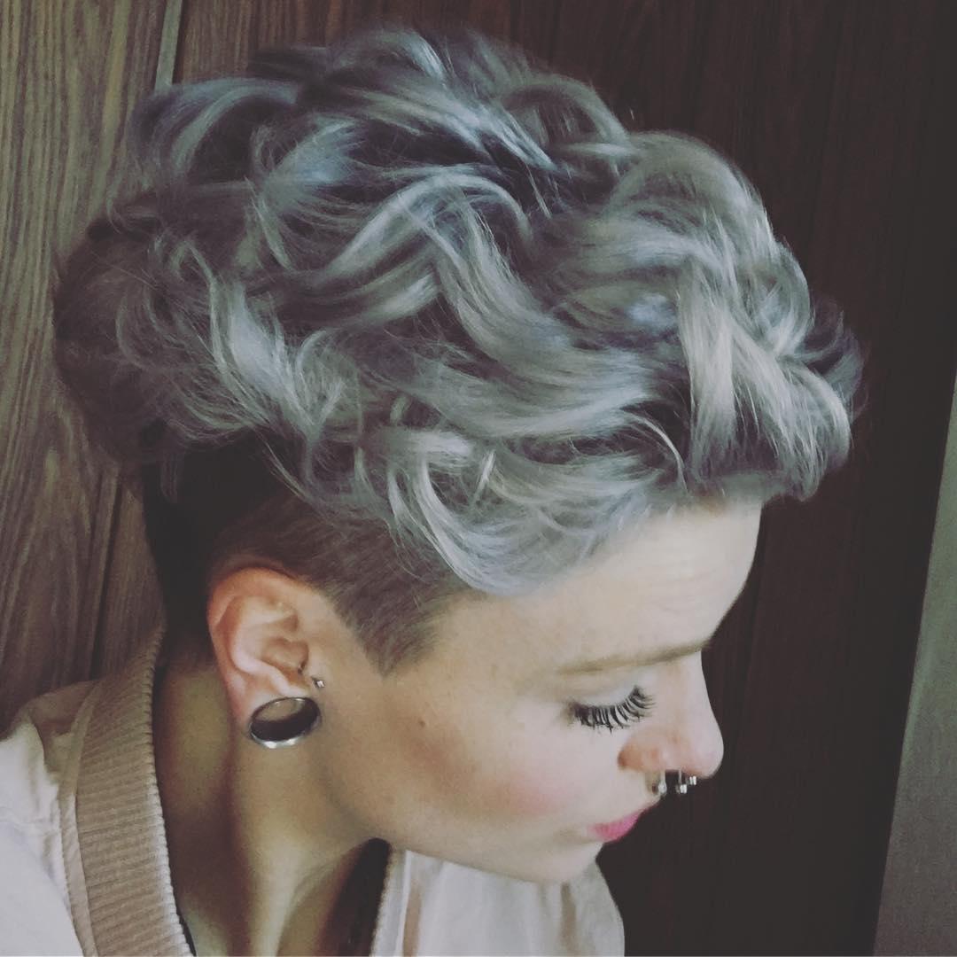 Coiffures très courtes les plus chaudes pour les femmes - Coupes de cheveux courts pour les visages ovales
