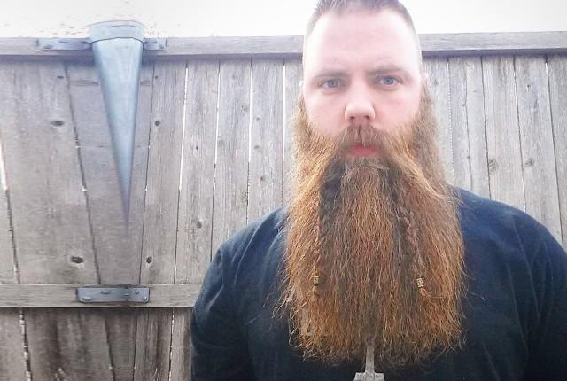 Style de barbe double tressée pour hommes