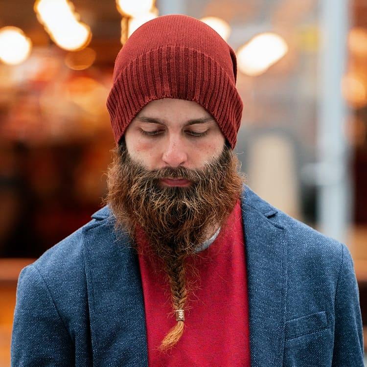 longue barbe tressée