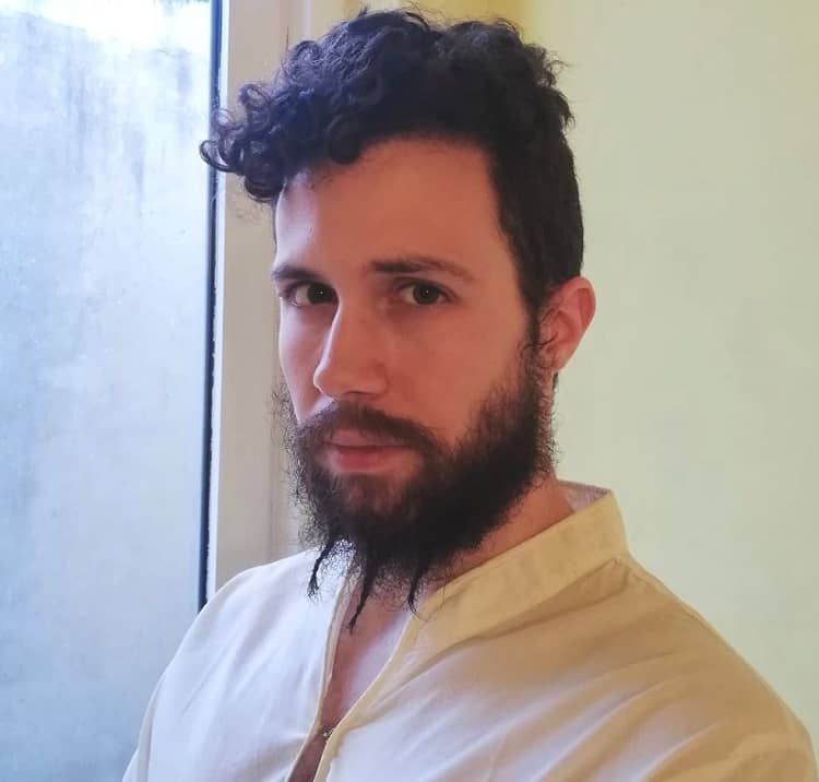 barbe courte tressée