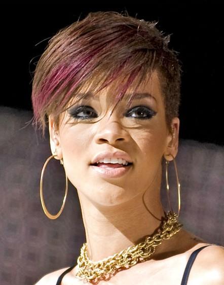 Coiffures très courtes de Rihanna