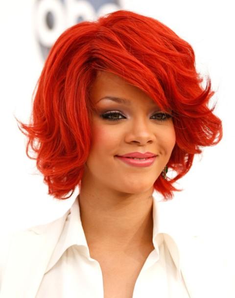 Rihanna Coiffures Courtes En Couches 2012