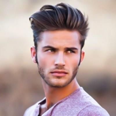 Peigne haut sur la coiffure mexicaine pour hommes