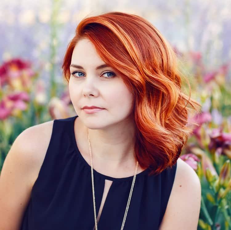 cheveux roux avec des reflets
