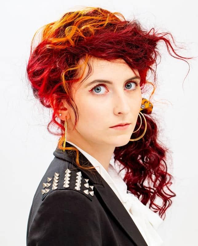 mèches de cheveux rouges pintura