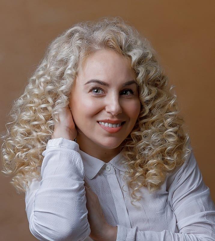 Balayage des cheveux pour les femmes