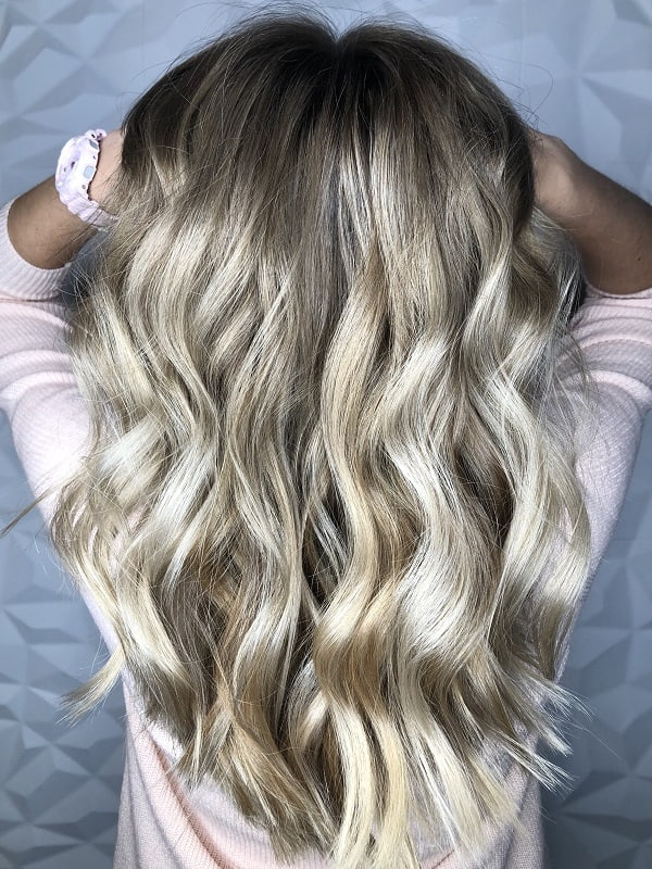 Balayage sur cheveux ondulés